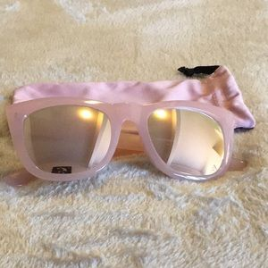 Avon Breast Cancer Pink Hope Sunglasses